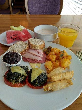 Excellent breakfast buffet options