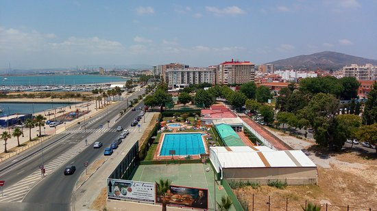 parte lateral donde esta la piscina municipal de la linea de la concepcion