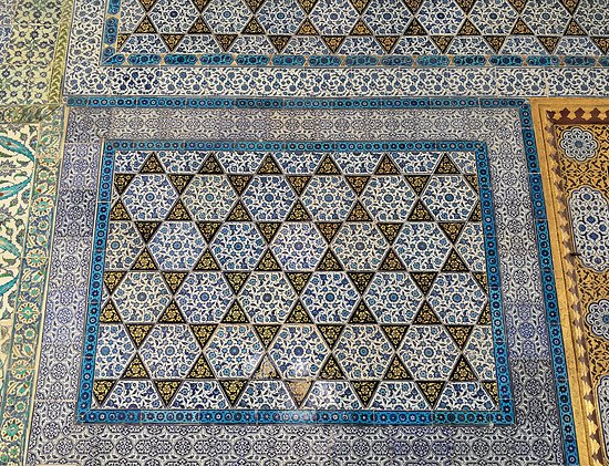 Tiles in Topkapı Palace