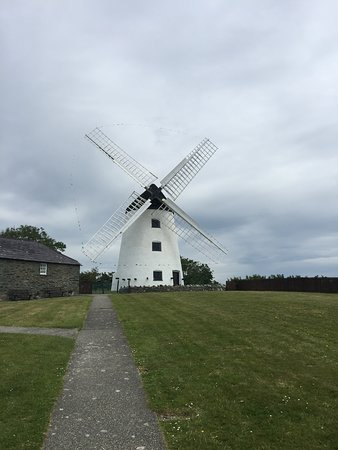 Melin Llynnon: Well worth a visit, especially on a nice day!