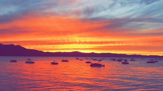 Tahoe Cruises: Amazing sunset!