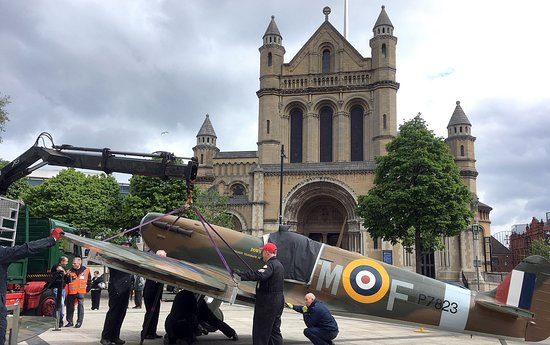 Belfast Cathedral - The Cathedral Church of St. Anne: Assembly of plane in front of Cathedral