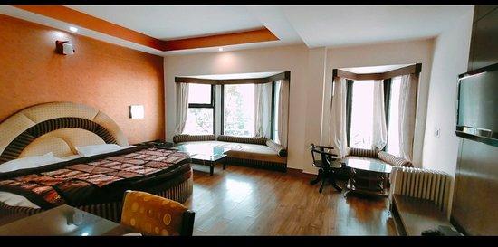 HOTEL DRIVE INN - Prices & Reviews (Dhanaulti, India) - TripAdvisor
