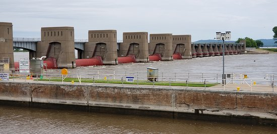 The Lock and Dam structure that enables changing the water level in the lock.