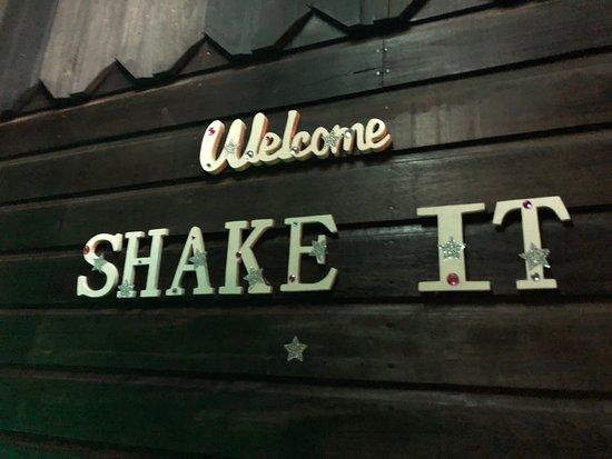 Edd's-The Odyssea: Edd's-Shake It