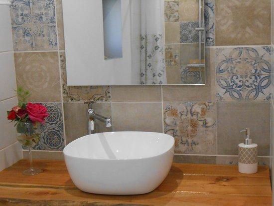 Birac, Francja: salle de douche