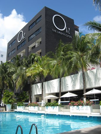 Oh! The Urban Oasis: The White Terrace of Oh! Oasis Cancun.