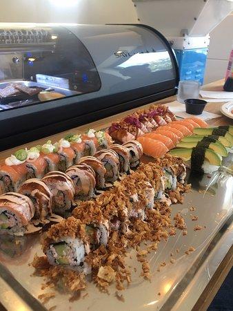 Sugoi: Fräsch, super gott och riktigt bra service. Bästa sushi i stan 🙌🏽😋