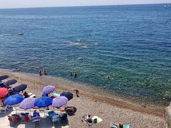 Sturla, อิตาลี: È chi se l'aspettava così bella