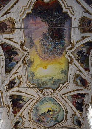 Санта Мария ди Джезу и Каза Професса