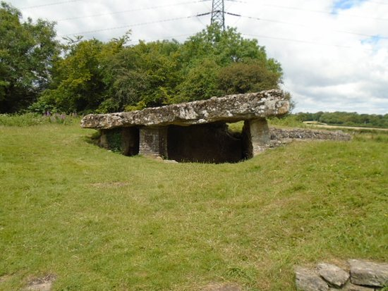 Culverhouse Cross, UK: Tinkinswood Burial Chamber