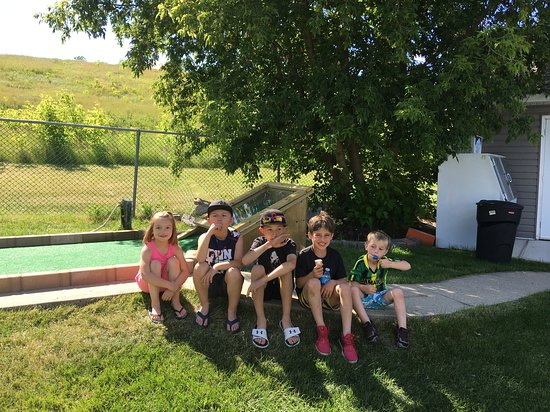 Squirrely Putt & Play: Good day for ice cream