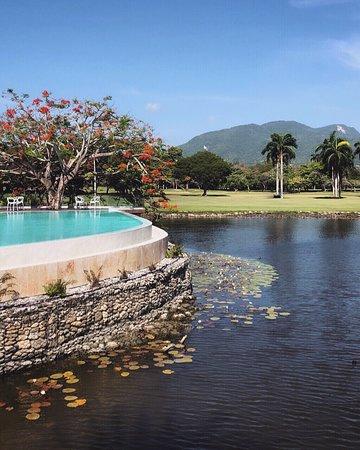 Petit resort magnifique qui vaut le séjour