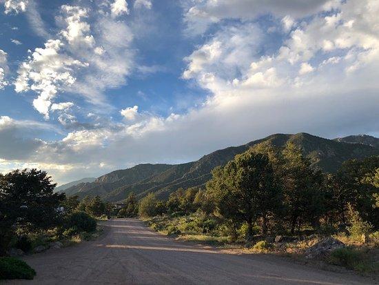 Crestone, Kolorado: Just down the road.