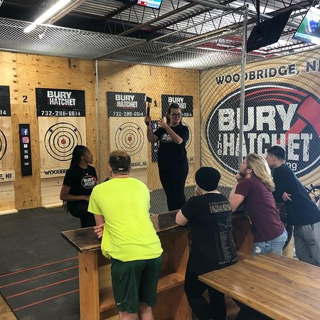 ‪Bury the Hatchet Woodbridge - Axe Throwing‬