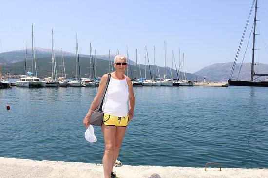 Am Hafen von Sami