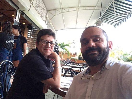 San Antonio de los Altos, Βενεζουέλα: Disfrutando una buena pizza con la mejor compañía