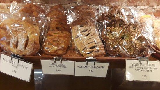 Takahachi Bakery: pastries