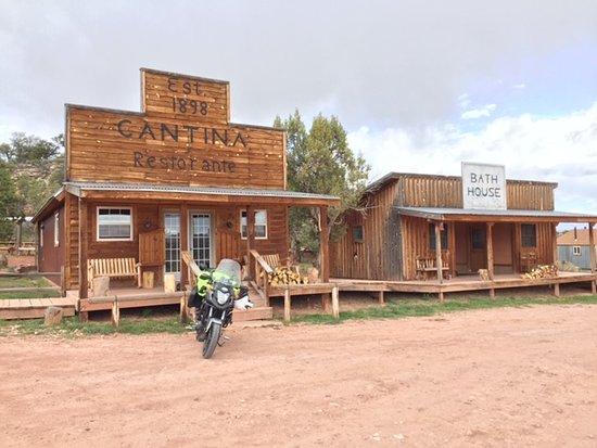 La Sal, UT : Dining/Cantina and bath house.   :{)