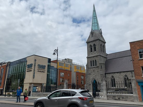 Pearse Lyons Whiskey Distillery: Interactive Tour and 4 Whiskey Tastings: Front of the building and church that has the Distillery in it