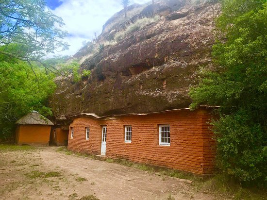 Masitise Cave House in Quthing