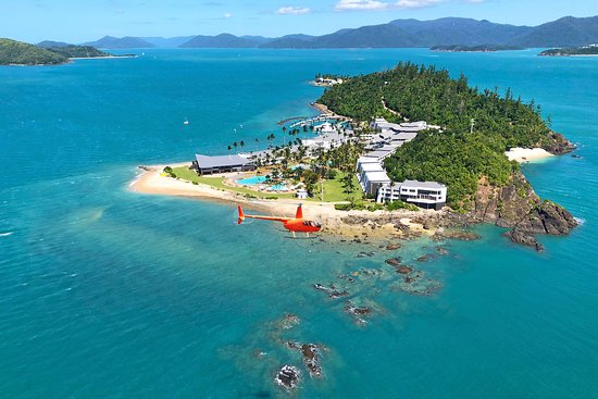 You can now enjoy a scenic heli flight from Daydream Island! Choose between four heli tours while staying on the island.   Heli transfers to and from Daydream Island Resort - Proserpine Airport also available.