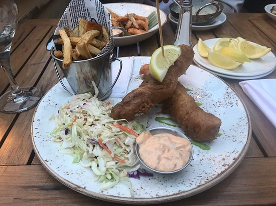 West Coast Grill + Oyster Bar: Halibut Fish & Chips