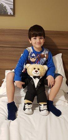 Hotel Fioreze Centro: Este é Antonio Fiorese, e meu neto que  vai  tomar conta dele por dois dias.