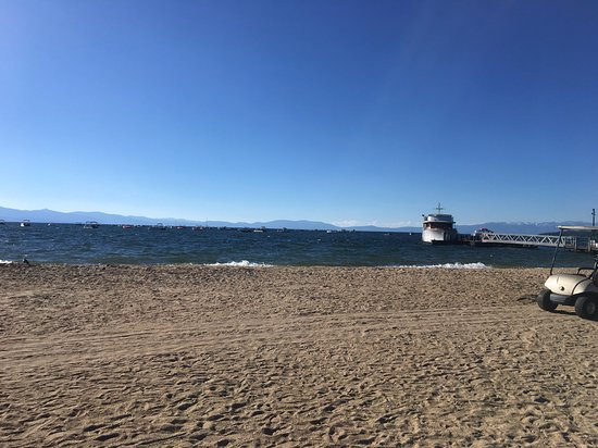 Tahoe Cruises: Walking to boat at marina.