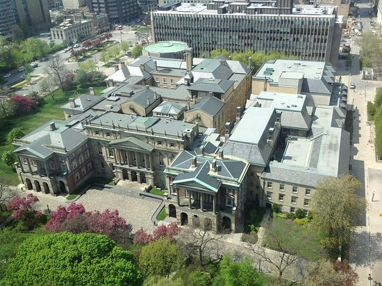 Sheraton Centre Toronto Hotel: Picture of the of the Law Society of Ontario taken from our hotel room