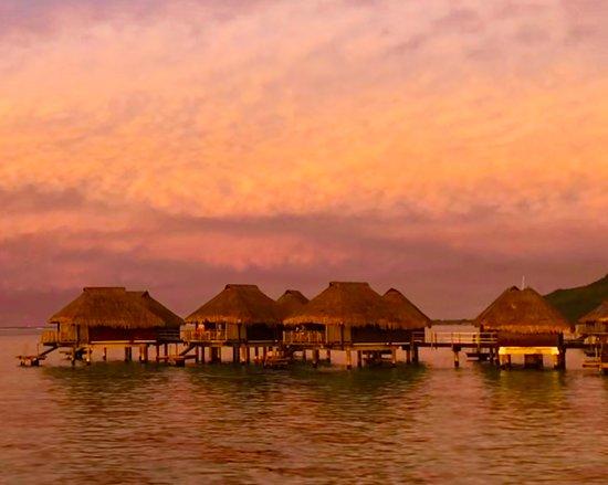 Hilton Moorea Lagoon Resort & Spa: Sunrise