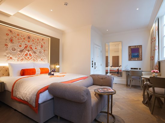The Lalit London: Guest room