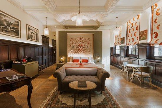 The Lalit London: Suite