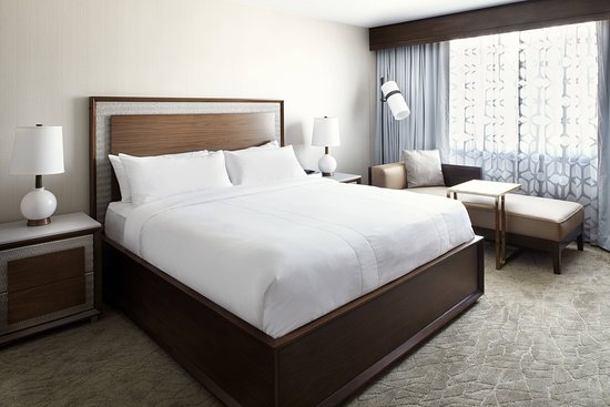 Raleigh Marriott Crabtree Valley: Suite