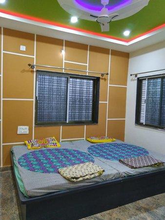 Ganagapur, Indie: Room