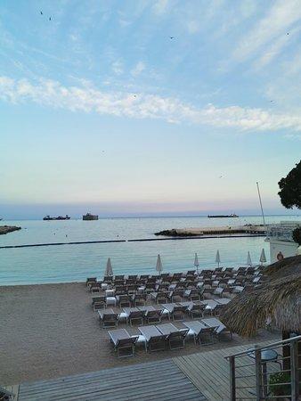 Уютный отель с пляжем