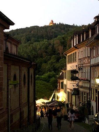 Burg Wachenheim - Ansicht vom Marktplatz
