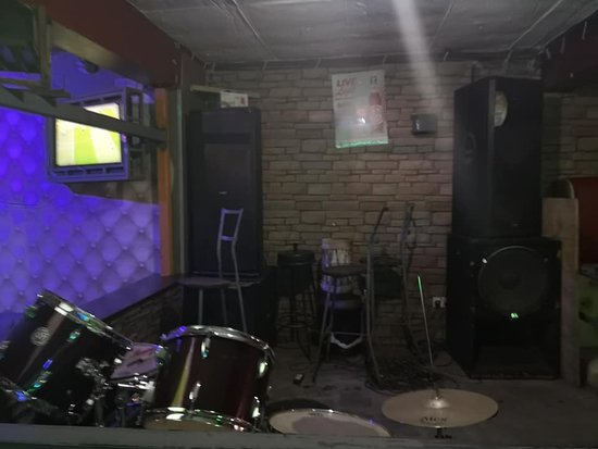 Kibera: Kibera bar