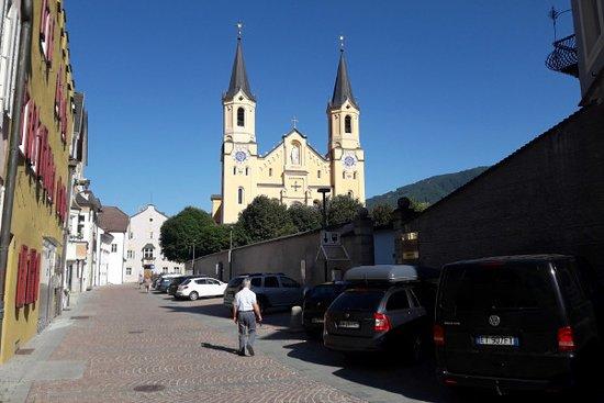 La parrocchiale di Santa Maria Assunta