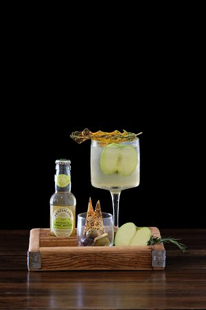 Bee Sting - Crafty Gins
