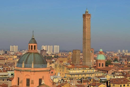 Best of BOLOGNA on a Private Tour: PRIVATE CITY TOUR, Bologna with GUIDE
