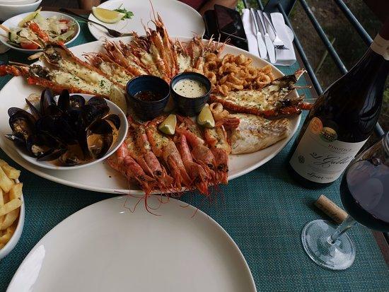 Two Oceans Restaurant: karışık deniz ürünleri tabağı