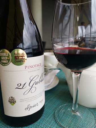 Two Oceans Restaurant: pinotage