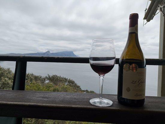 Two Oceans Restaurant: ödüllü şarabımız ve hint okyanusuna bakan bir manzara