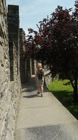 Gravensteen: Walking along the outer walls