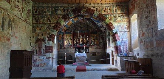 Rhazuns, Suiza: Kircheninnenraum Sogn Gieri
