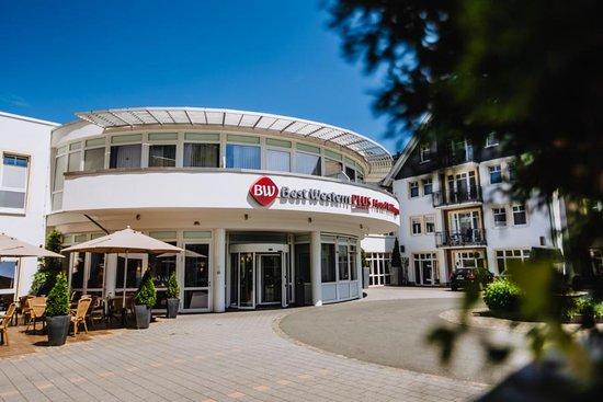 Sonnenterrasse Hotelbar LEOs Bierkeller - Picture of Best Western Plus Hotel Willingen, Willingen - Tripadvisor