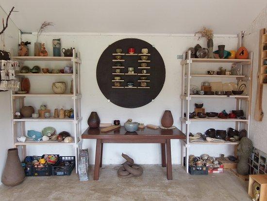 Plaski, Chorwacja: Our gallery shop. #likadestination #likelika #likaquality #iqmdestinationlika #stay7daysinlika
