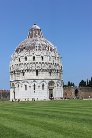 Leaning Tower of Pisa: The baptistry is leaning!