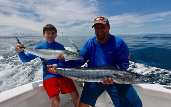 Inshore fishing aboard GOOD DAY COSTA RICA